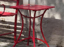 Evergreen Red Table
