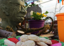 Don't let the gargoyle's face give you the wrong impression.  These cookies are the best!!!